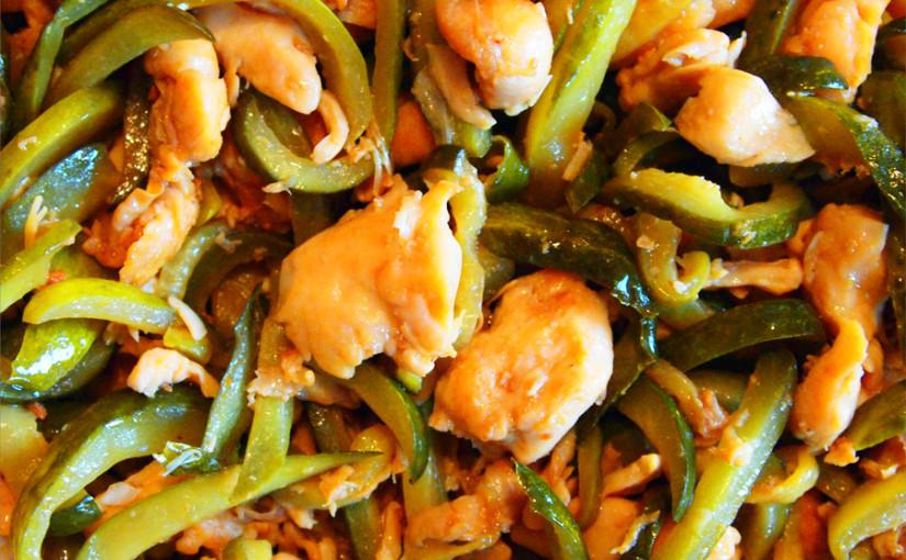 Пиле с кисели краставички