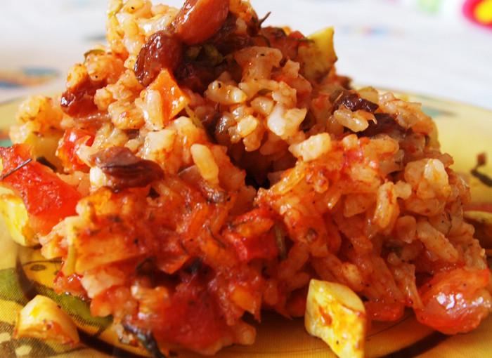 Тиквички с ориз и стафиди на фурна