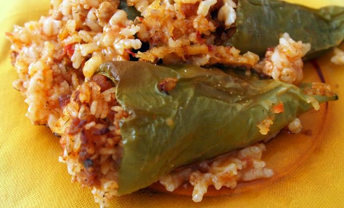 Пълнени чушки с ориз и кайма