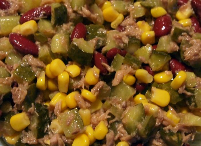 Мексиканска салата с риба тон