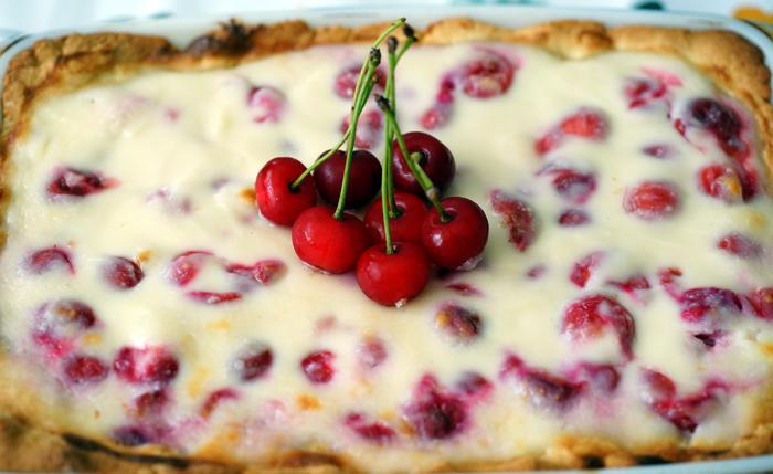 Сладкиш с вишни, маскарпоне и рикота