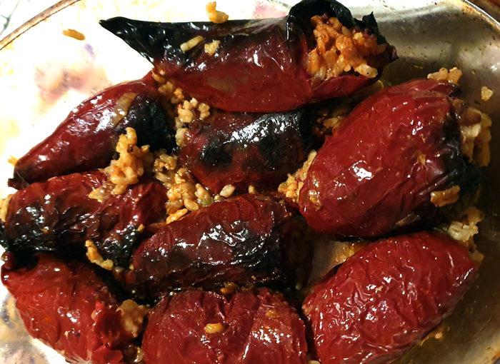 Пълнени сушени чушки с ориз и кайма